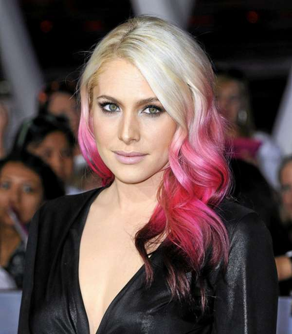 LOréal-Hairstyles-in-Six-Steps-How-To-Make-Temporary-Hair-Lacquers-Hair-Chalk-